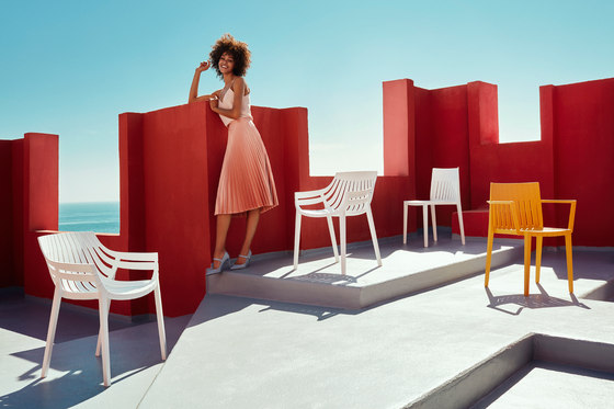 Spritz bar table by Vondom