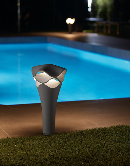 Cornet B/02 | Outdoor Ballard by BOVER