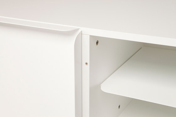 Collar cabinet compositions von Quodes