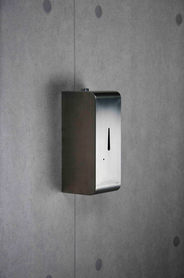 Aquaeco | Eco Round Wall Mounted Infrared Tap by BAGNODESIGN