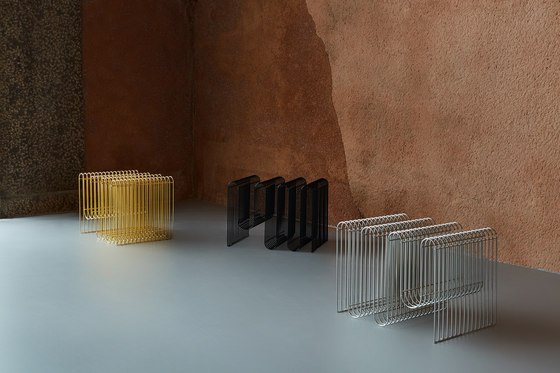 Curva | magazine holder de AYTM