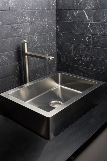 IX304 | Undermount Single Bowl Sink 500X400mm by BAGNODESIGN
