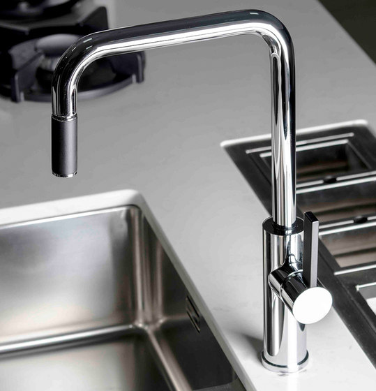 Lab-One | Single Hole Kitchen Sink Mixer With Pull-Out Spout With Black Handle by BAGNODESIGN