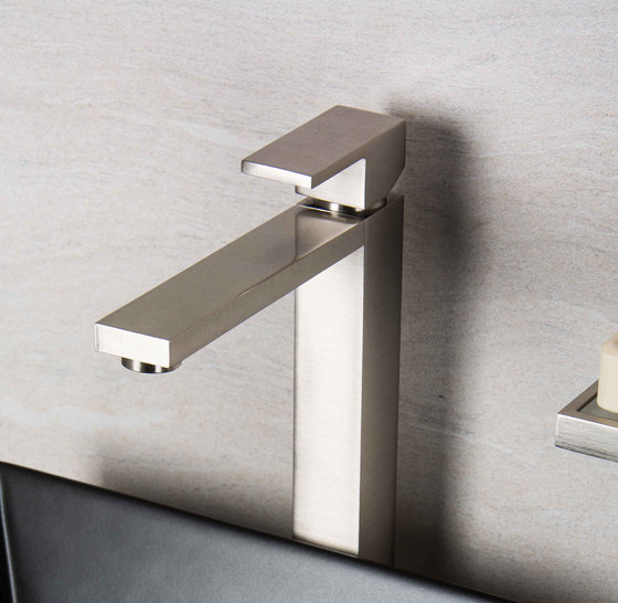 Mezzanine | Concealed 3 Hole Basin Mixer by BAGNODESIGN