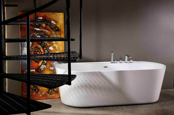 Urban | Freestanding Bathtub by BAGNODESIGN