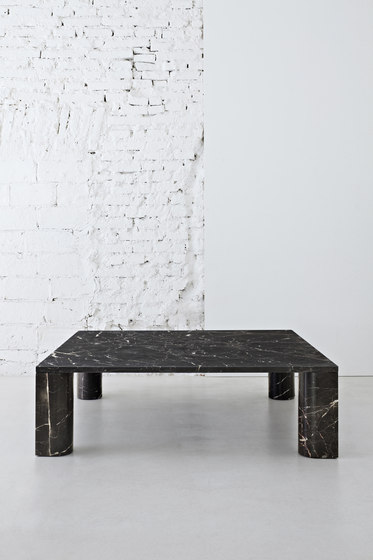 'Love  me, Love me not' dining table: round di Salvatori