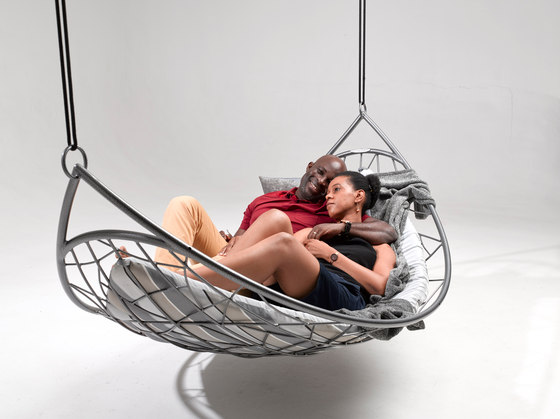Melon Lounger hanging chair de Studio Stirling