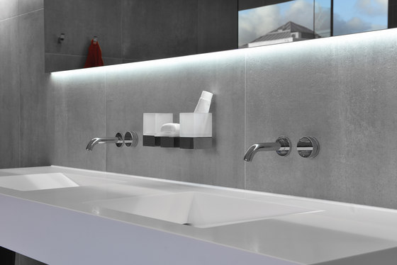 Tune | Concealed shower thermostat 3-ways and hand shower AHMQArF2
