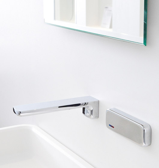 Slide | Rim-mounted spout by rvb