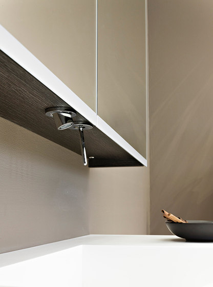 Plug | Single-lever mixer for kitchen with integrated handshower by rvb