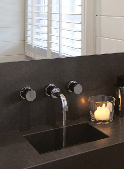 Flamant Docks   3-hole kitchen mixer, handshower by rvb