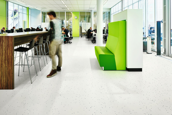 Sphera Energetic snow by Forbo Flooring