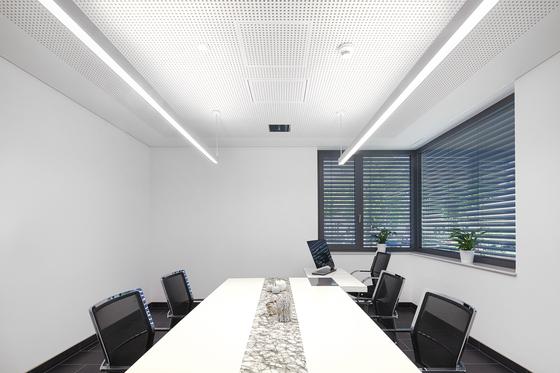 lincor allgemeinbeleuchtung von zumtobel lighting architonic. Black Bedroom Furniture Sets. Home Design Ideas