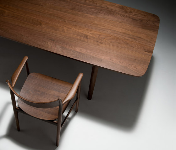 KAMUY Dining Table di Conde House