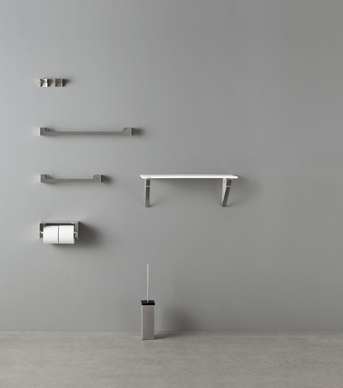 Ergo_nomic brush holder by Rexa Design