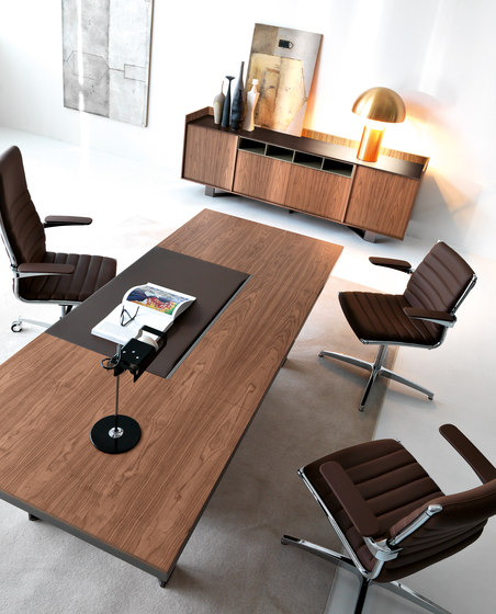 Lloyd desk de IVM