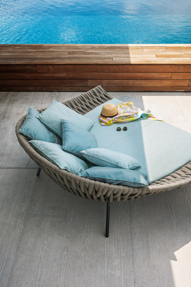 ARENA 001 Daybed by Roda