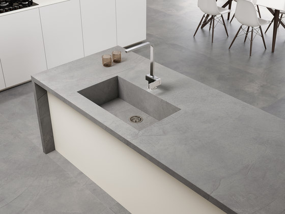 Coverlam Top Titan Antracita di Grespania Ceramica