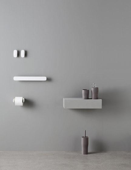 Smooth brush holder by Rexa Design