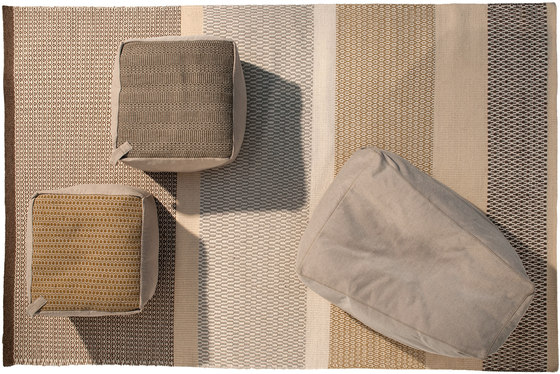 Accessories | Site Soft Stripes Outdoor pouf von Warli