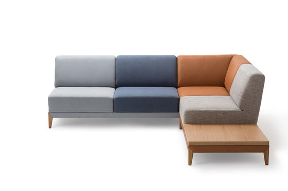 Moove Sofa by Extraform