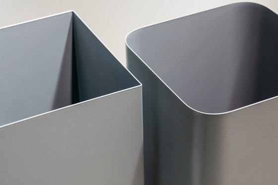 Flow II umbrella stand by Cascando