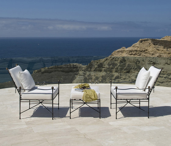 AMALFI CHAISE LOUNGE WITH ARMS de JANUS et Cie