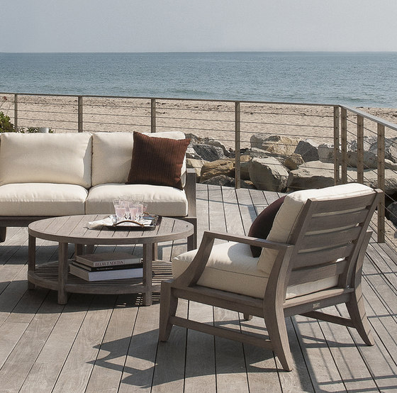 RELAIS LOUNGE CHAIR by JANUS et Cie
