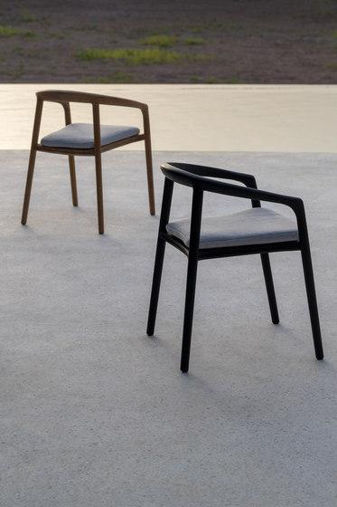 Solid armchair von Manutti