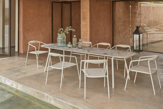 Minus dining table 280x85 by Manutti
