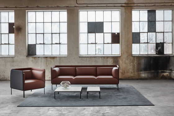 Crest sofa by Materia