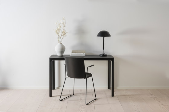 Acme A-Base Armchair de Fredericia Furniture
