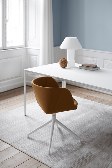 Verve Swivel by Fredericia Furniture