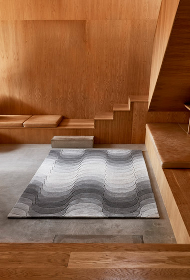 Wave Rug | Grey by Verpan