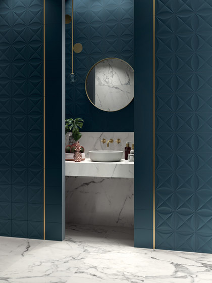 4D | Hexagon White Dek by Marca Corona