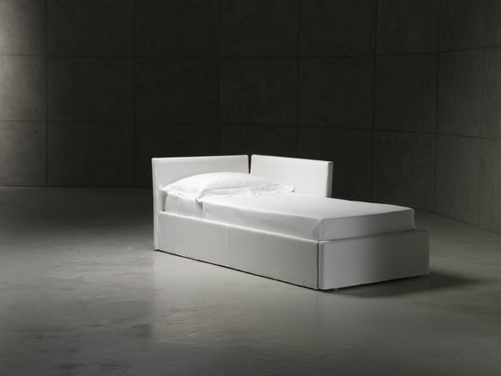 Gabriel Duo Chaise longue di CASAMANIA & HORM