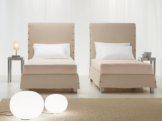 White by CASAMANIA & HORM