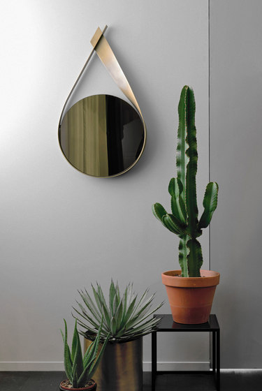 Pikee Mirror by Christine Kröncke