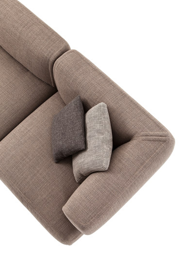 553 Bowy-Sofa by Cassina