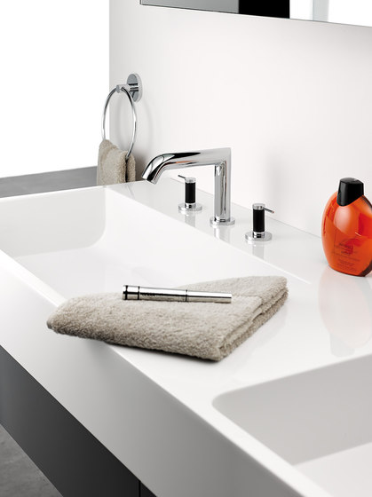 Anoa | Rim mounted three-hole basin mixer by THG Paris