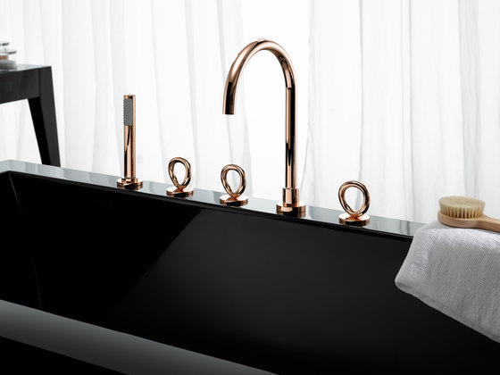Collection O | Free-standing bath mixer by THG Paris