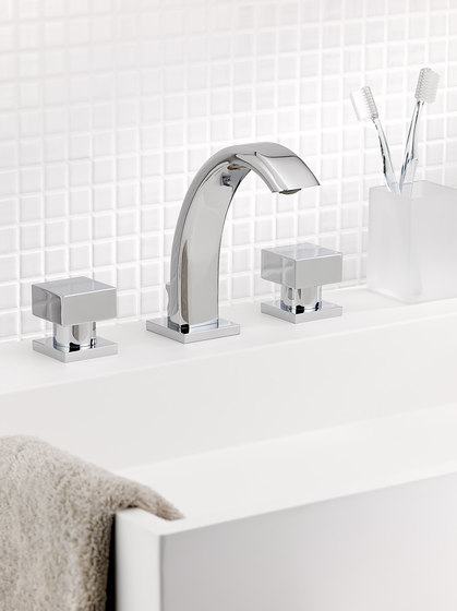 Cubica | Rim mounted 3-hole basin mixer by THG Paris