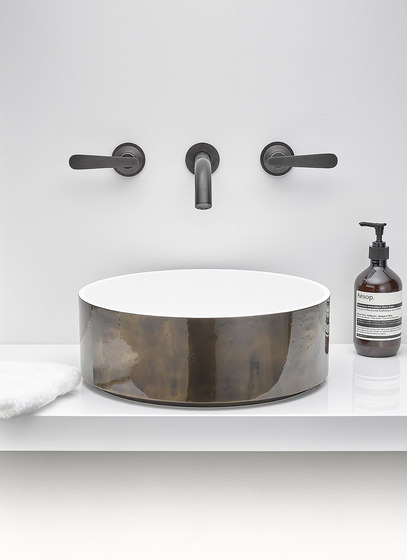 Dean | Rim mounted 3-hole basin mixer by THG Paris