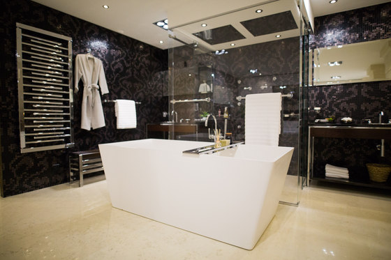 Pagode | Free standing bathtub by THG Paris