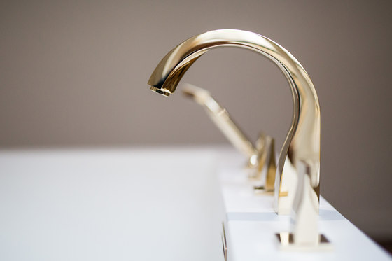 Pure | Rim mounted 3-hole basin mixer by THG Paris