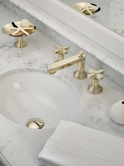 West Coast | Rim mounted 3-hole basin mixer by THG Paris