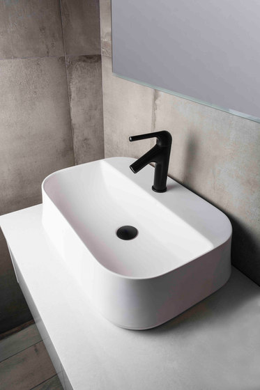 Koy | Wall Mounted Soap Dish Holder by BAGNODESIGN