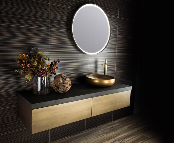Monroe | Illuminated Reversible Mirror With Sensor by BAGNODESIGN