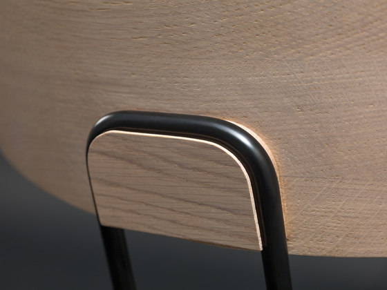 Okito Table by Zeitraum