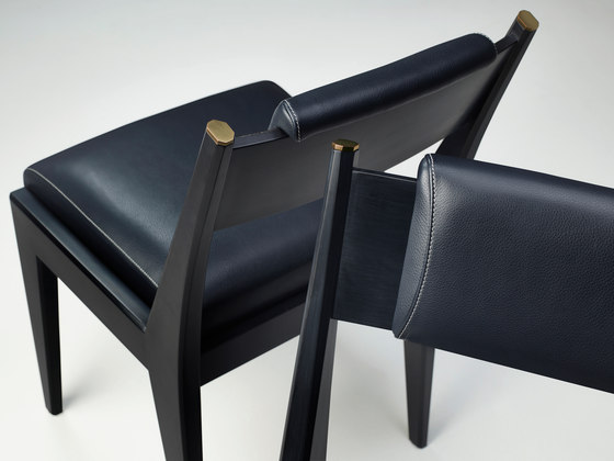 Iris chair by Promemoria
